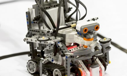L'il Legobot at the Library