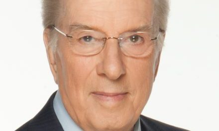 Lloyd Robertson delivers keynote mental health speech
