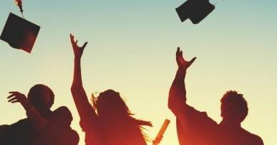 3 graduates earn perfect averages