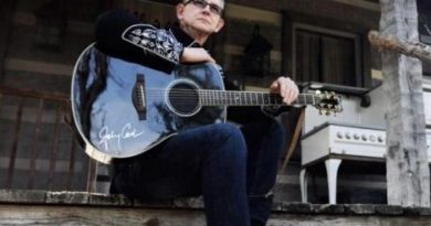 CASH: Johnny Cash Tribute performs at 19